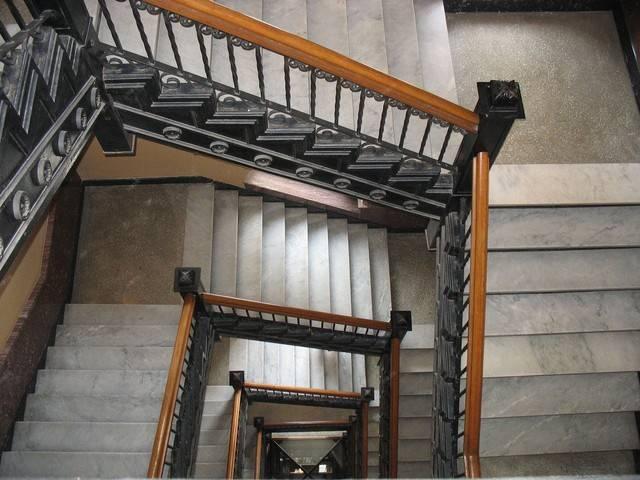 stairwell-1211699-640x480