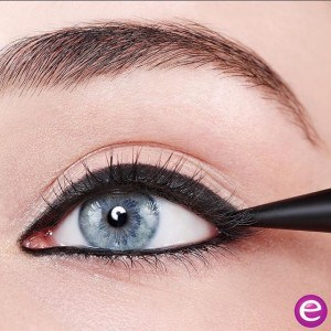 khôl eye liner Essence